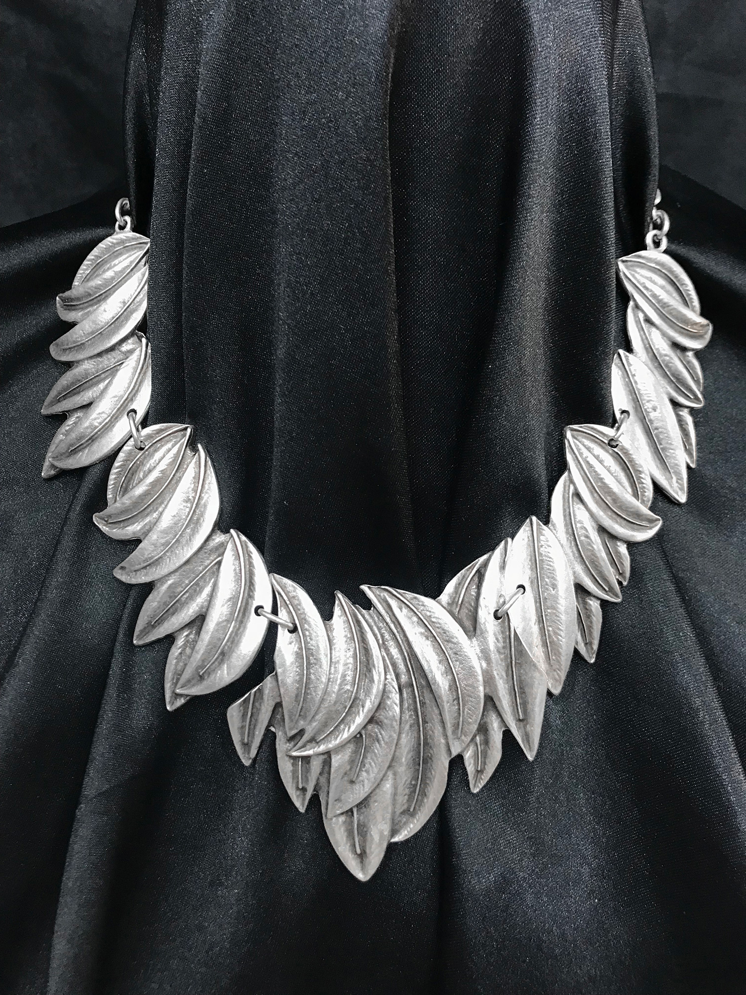 NECKLACE 1585