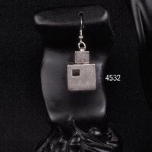 EARRINGS 4532