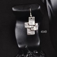 EARRINGS 4540