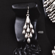 EARRINGS 4608