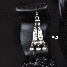 EARRINGS 4692