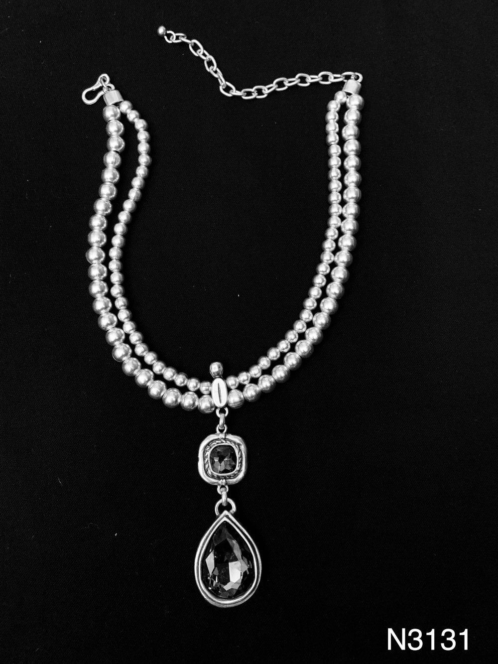 GLASS STONE NECKLACE 3131