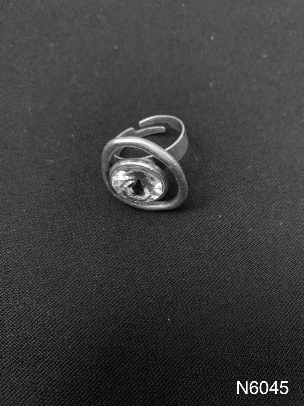 GLASS STONE RING N6045